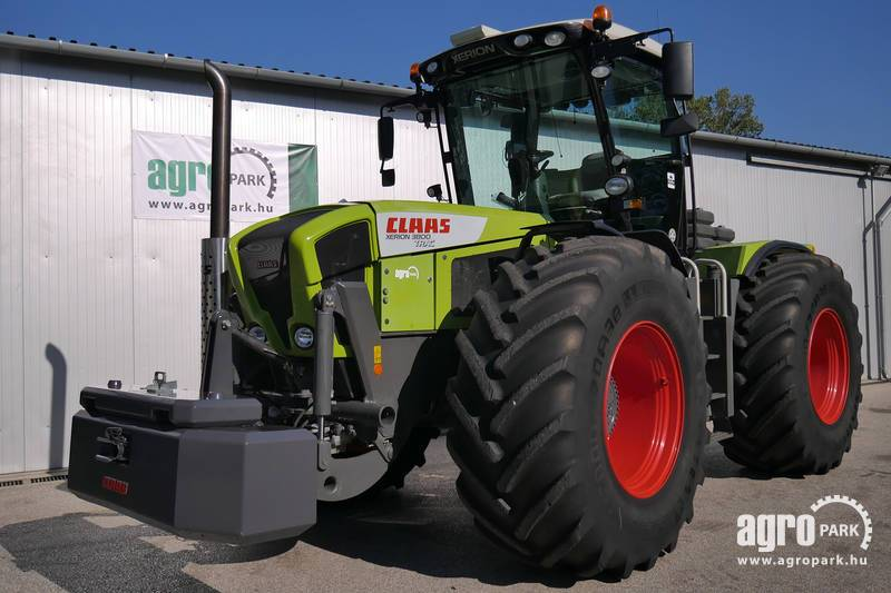 Claas Xerion 3800 with 2231 hours, 50 km h driving speed