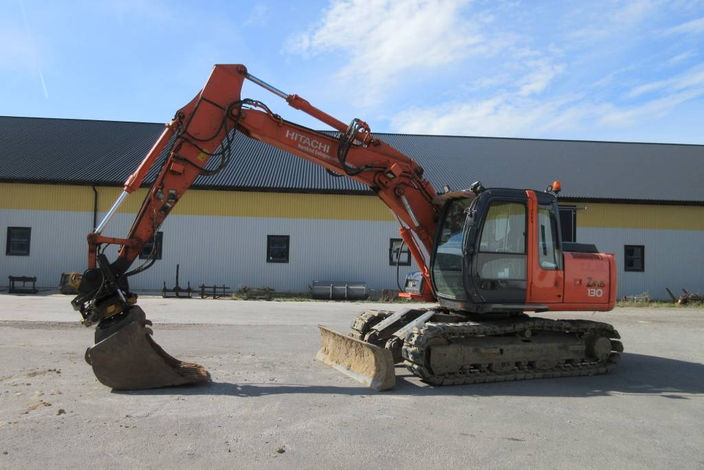 Hitachi ZX130 grävmaskin, rototilt, c-smörj, Bandgrävare, Entreprenad