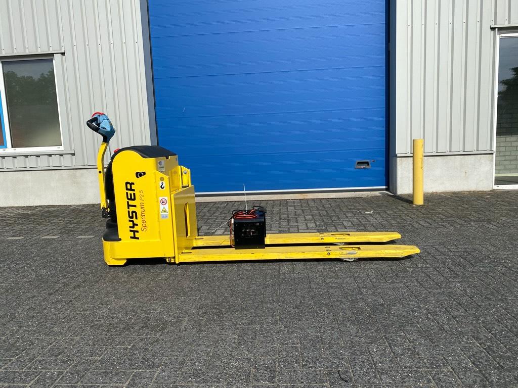Hyster P 2.5, Spectrum, 2500 kg. 2 meter, Electro-pallettrucks, Laden en lossen