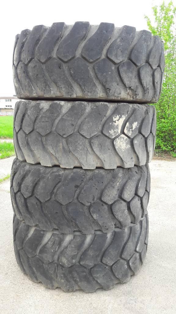Michelin Reifen 23.5 R 25 XLD D2, Andere Zubehörteile, Baumaschinen