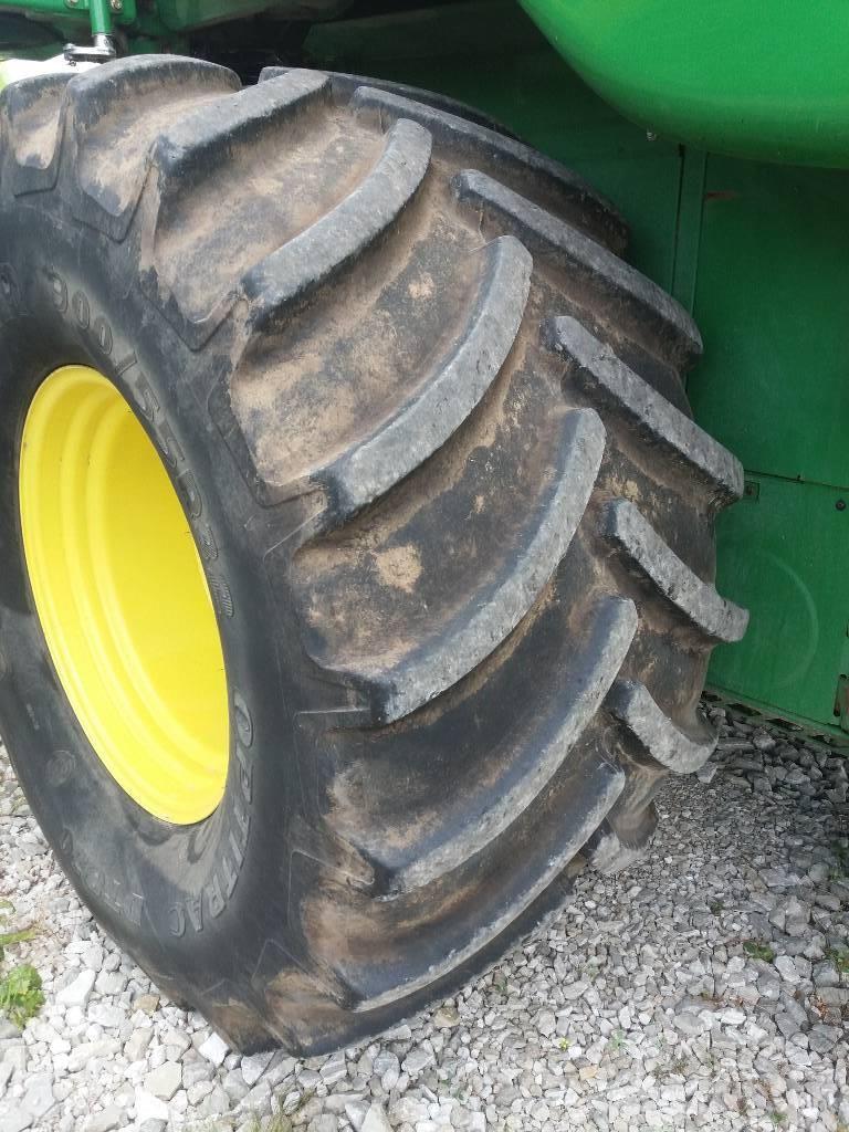 John Deere W 540, Kombainid, Põllumajandus