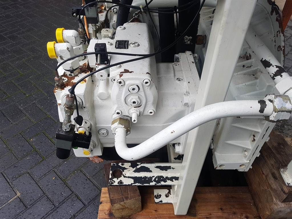 Rexroth A4VG250EP2DMT1/32L-R902031356-Drive pump/Fahrpumpe