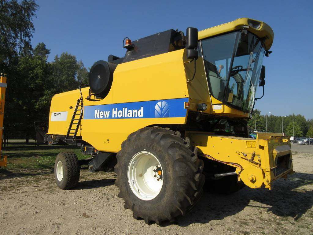 New Holland TC 5070, Combine harvesters, Agriculture
