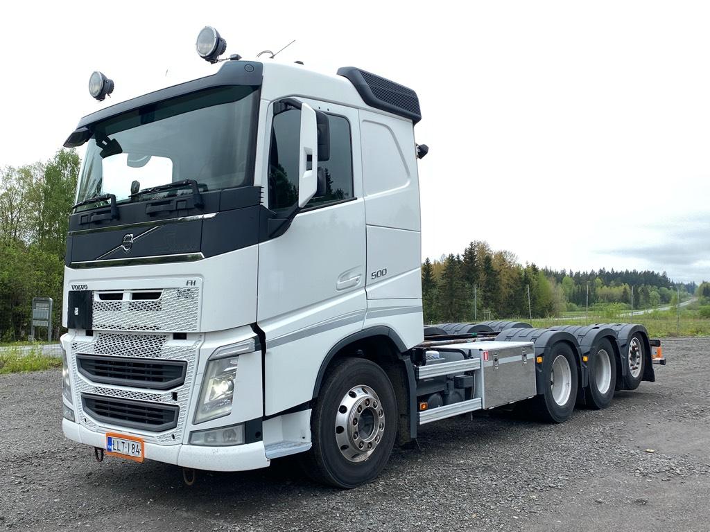 Volvo FH500 8x4 tridem, Kuorma-autoalustat, Kuljetuskalusto