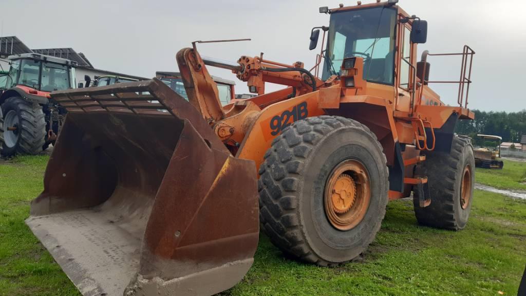 CASE 921 B, Ładowarki kołowe, Maszyny budowlane