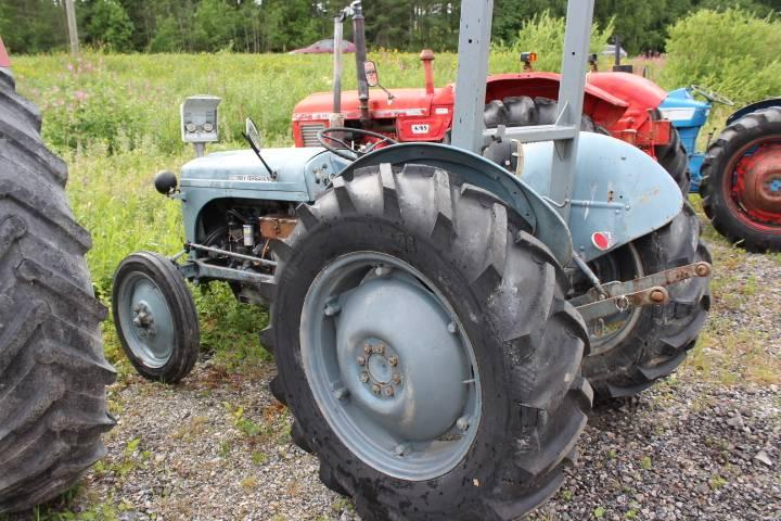 Massey Ferguson TE-D-20, Traktorit, Maatalous