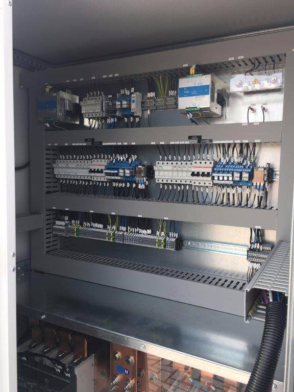 ABB Synchronization Panel, Electronics, Bouw