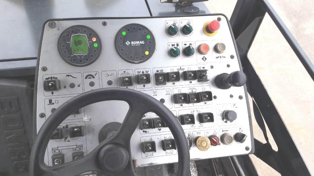 Bomag BF300 P S340-2 VE PB, Straßenfertiger, Baumaschinen
