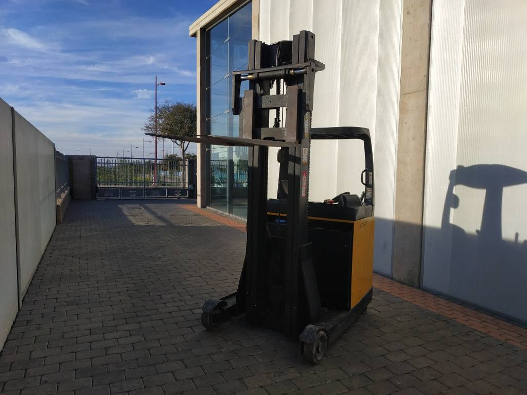 Yale THESI A2-PKCH, High lift order picker, Material Handling