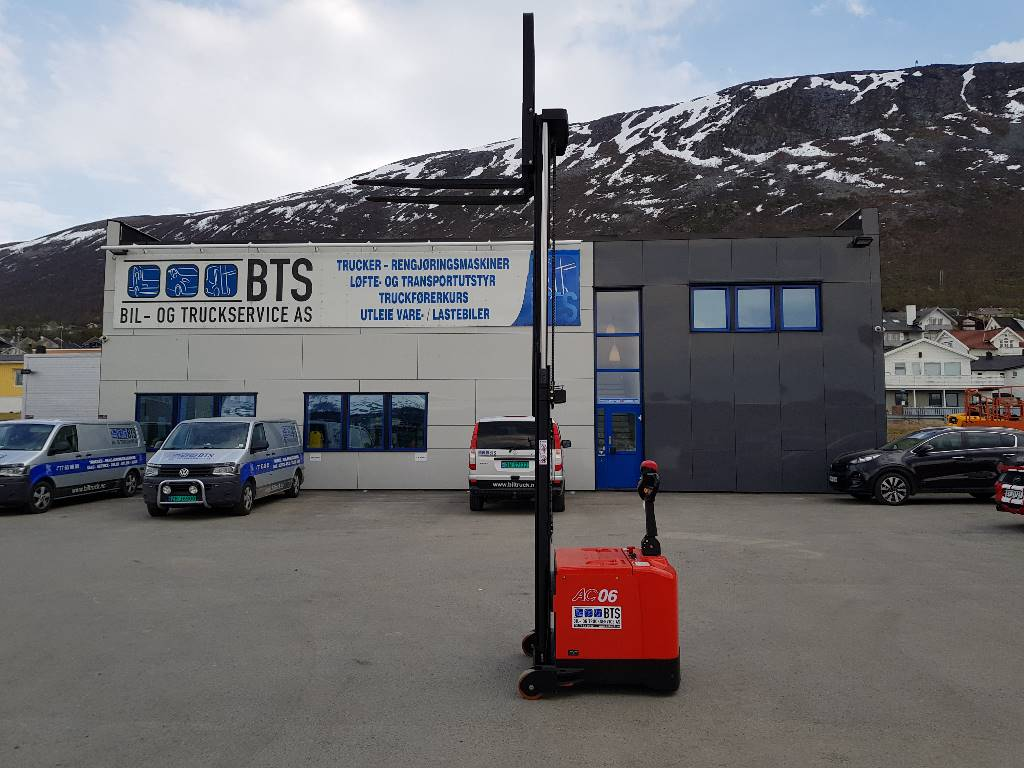 Heli CDD06-970 M330 - 0,6 t motvektstabler (PÅ LAGER), Ledestablere, Truck