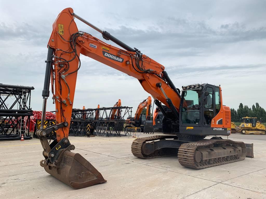Doosan DX 235 LCR-5, Crawler excavators, Construction