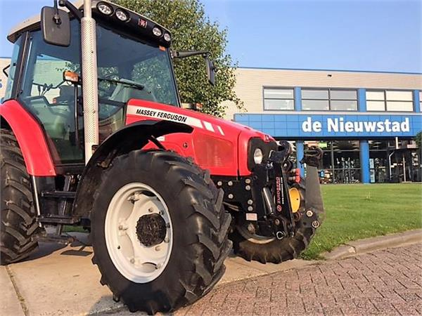Massey Ferguson 5425-4 DYNA4 SN, Tractoren, Landbouw