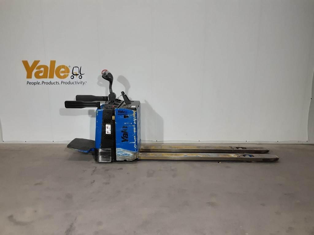 Yale MP20X, blauw, Pallettruck met meerij platform, Laden en lossen