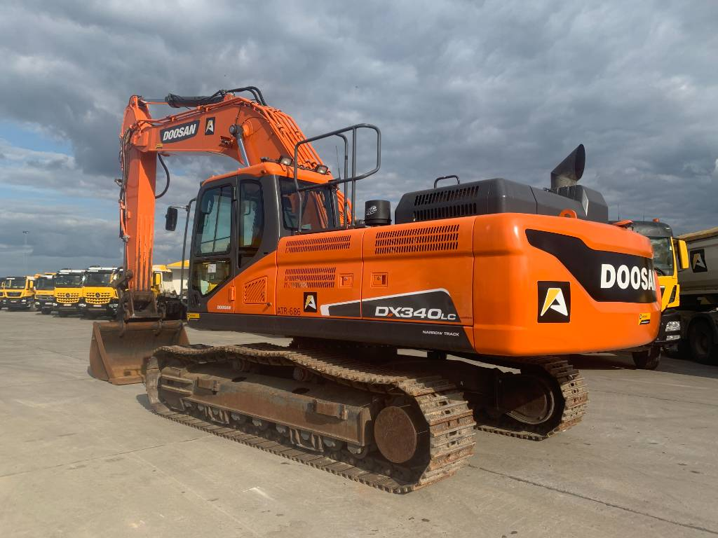 Doosan DX 340 LC-5 (narrow track), Crawler excavators, Construction