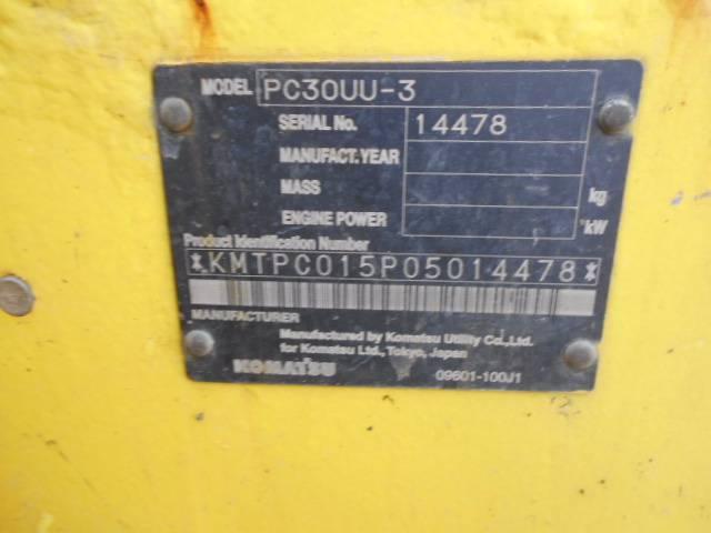 Komatsu PC30UU-3、ミニ油圧ショベル(ユンボ・パワーショベル・バックホー)< 7t  (ミニディガー)、建設機械