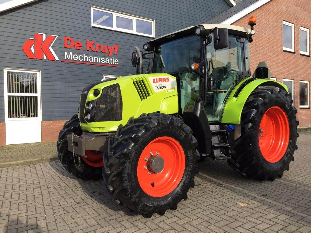 CLAAS arion 440, Tractors, Agriculture