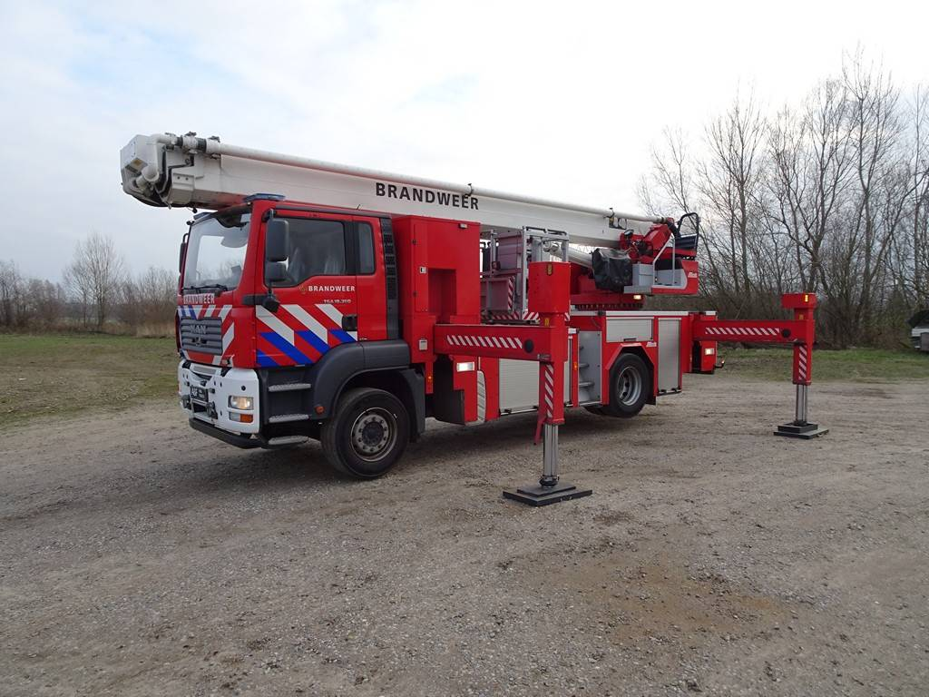 MAN Metz 32 mtr  2007 TGA 18.360, Fire trucks, Transportation