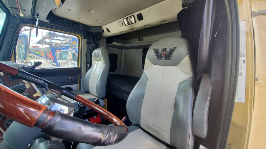 60858 4900FA Western Star, Car Haulers, Trucks and Trailers