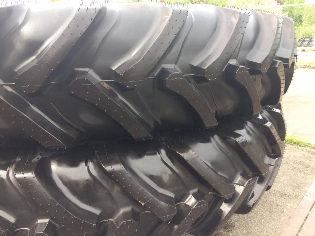 Alliance 350 - 300/95R46, Tires, wheels and rims, Agriculture