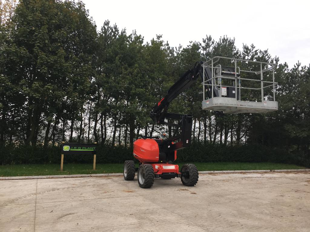 Manitou 180 ATJ, Articulated boom lifts, Construction