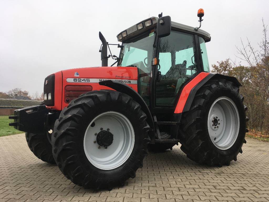 Massey Ferguson 6245 SpeedShift, Tractoren, Landbouw