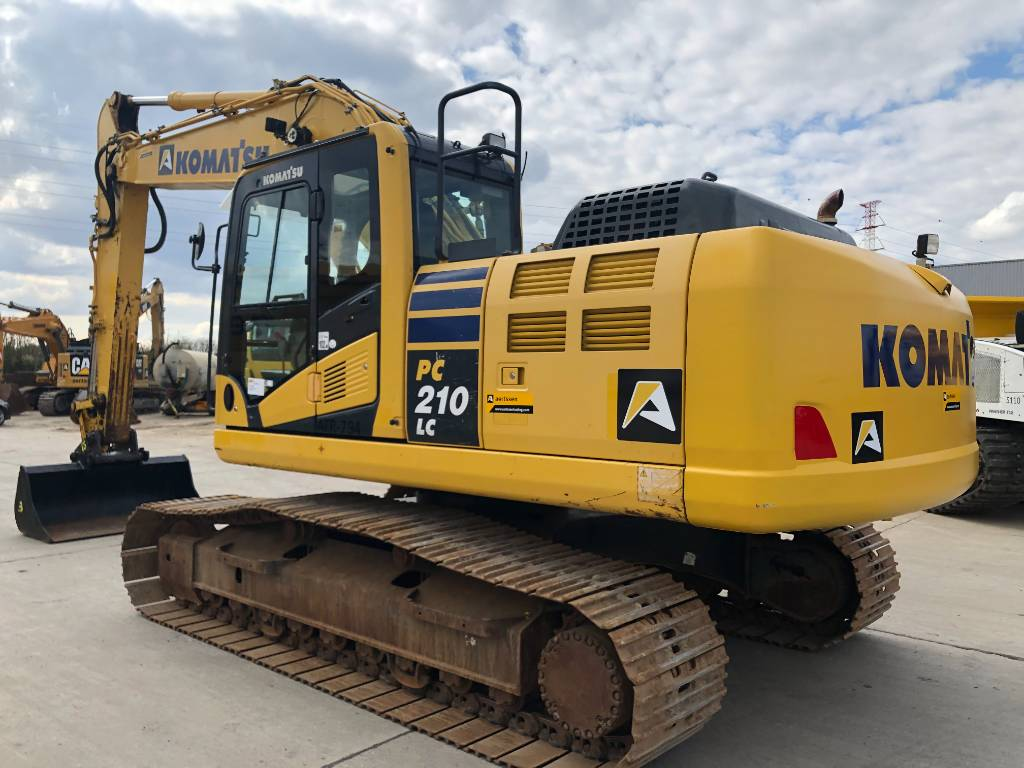 Komatsu PC210LC-10, Crawler excavators, Construction