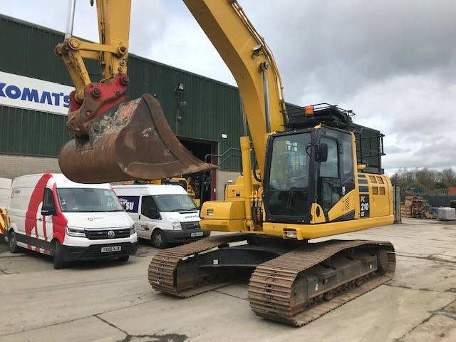 Komatsu PC210LC-11, Crawler excavators, Construction