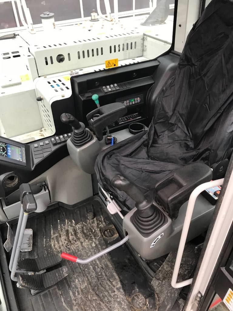 Takeuchi TB2150, Gravemaskiner på larvebånd, Entreprenør