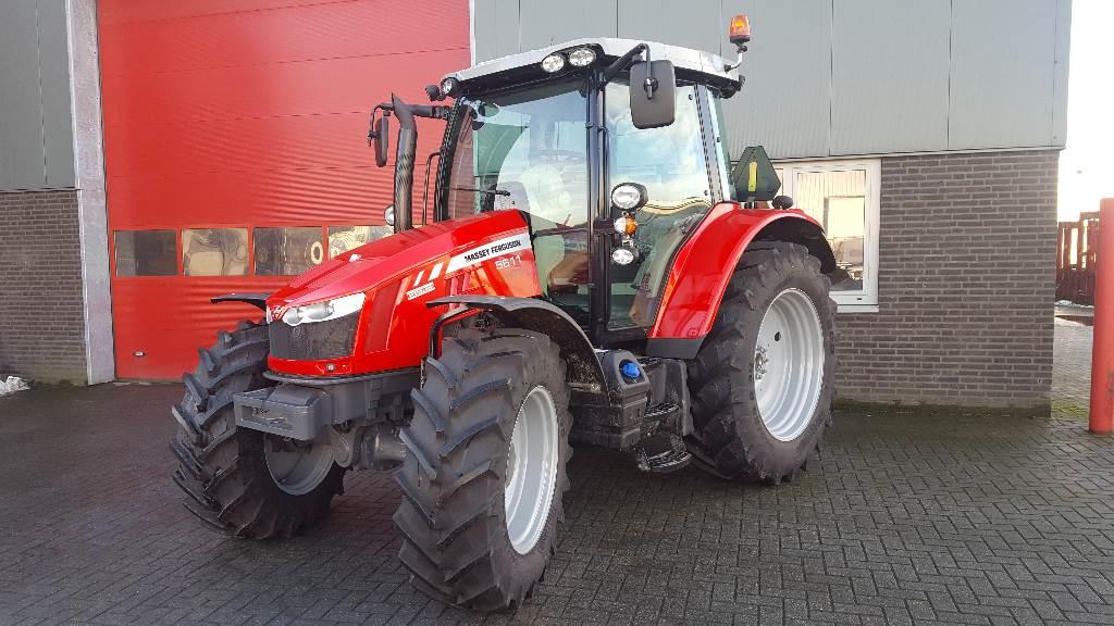 Massey Ferguson 5611 Dyna 4 Efficient, Tractoren, Landbouw