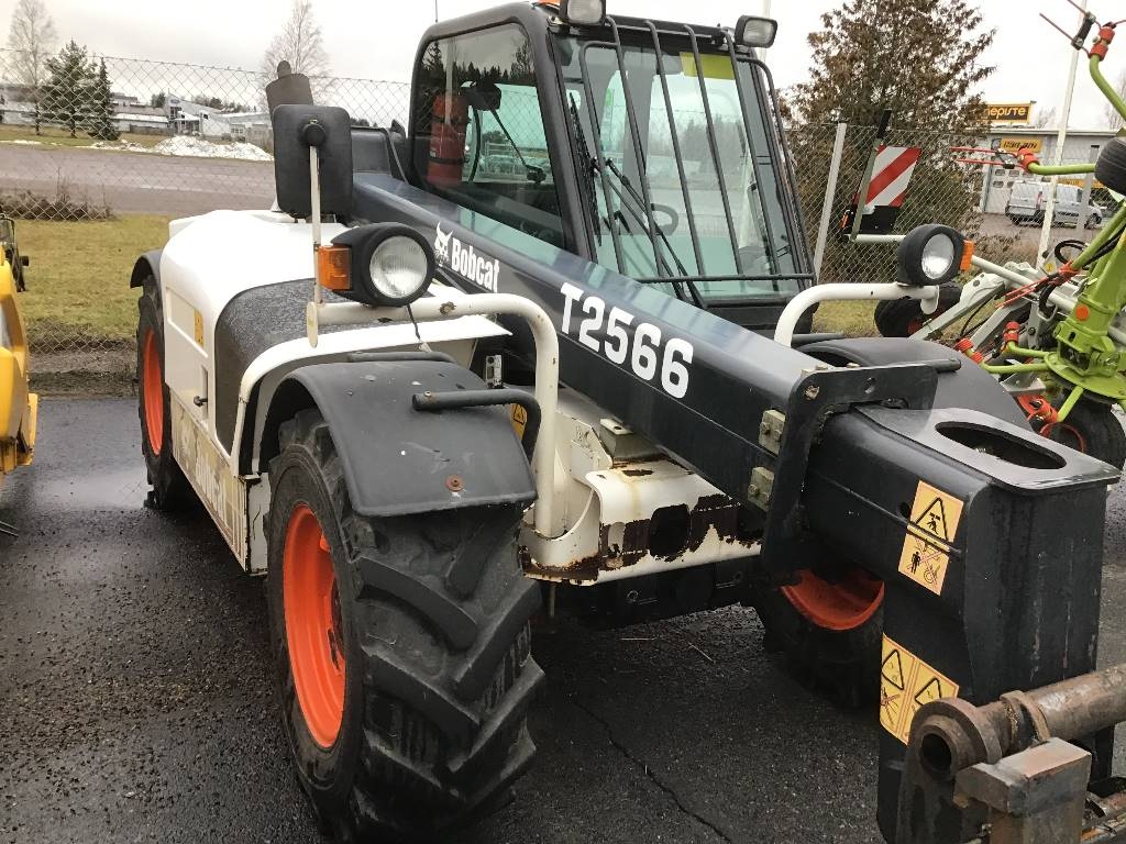 Bobcat 2566, Telehandlers for agriculture, Agriculture