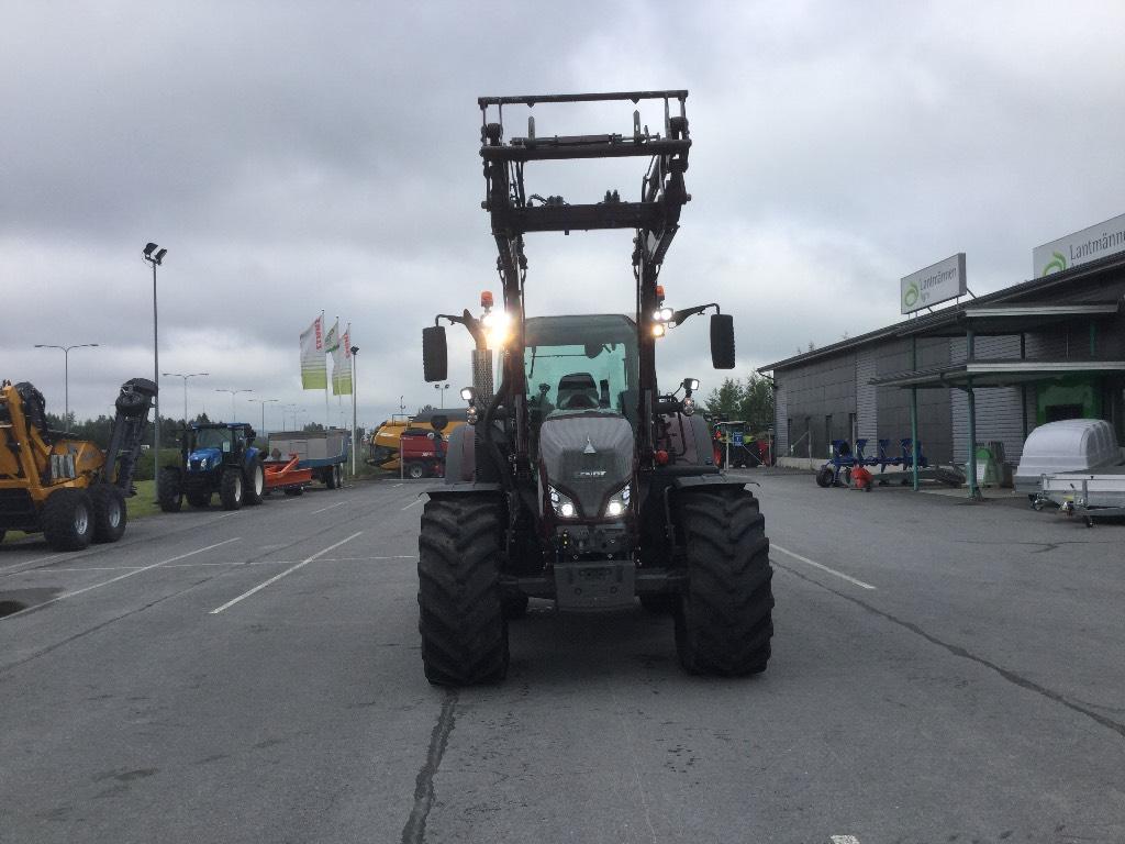 Fendt 724 PROFI PLUS, Traktorit, Maatalouskoneet
