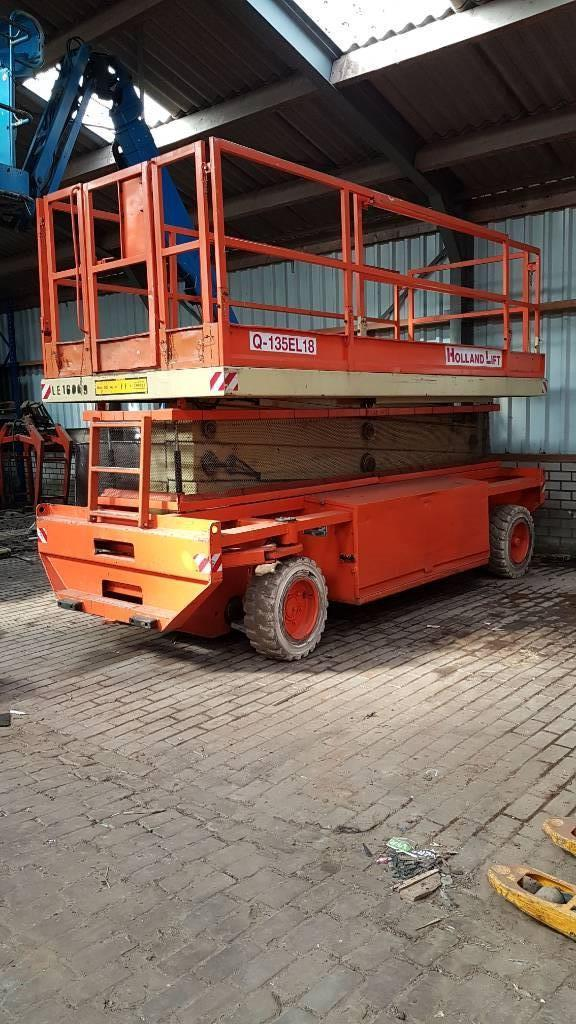 Holland Lift Q 135 EL 18, Schaarhoogwerkers, Bouw