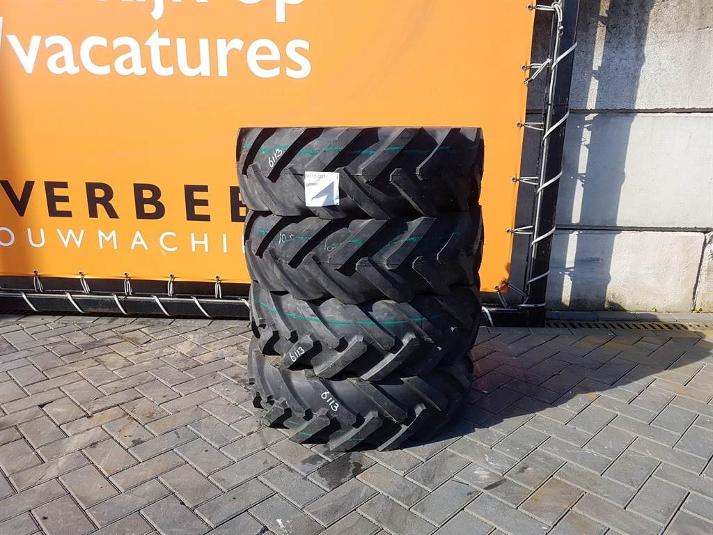 Deestone 10.5/80-18 - Extra grip - Tyre/Reifen/Band
