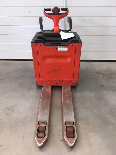 Linde T24AP/131, Low lifter with platform, Material Handling