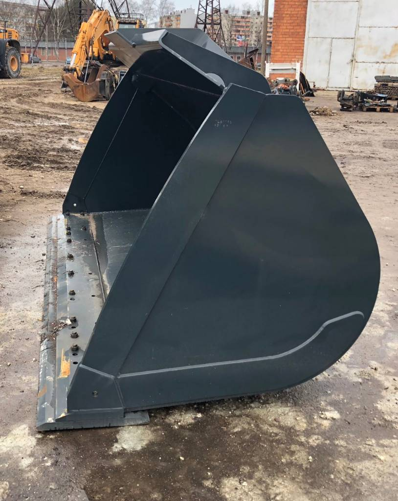 [Other] Bucket 4.2 m3 for Volvo L150 with cutting edge, Buckets, Construction