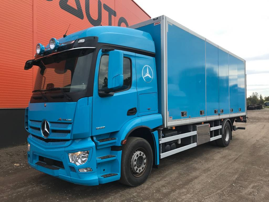 Mercedes-Benz ACTROS 1835, Box trucks, Trucks and Trailers
