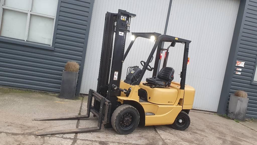 Caterpillar DP 25 K, Diesel heftrucks, Laden en lossen
