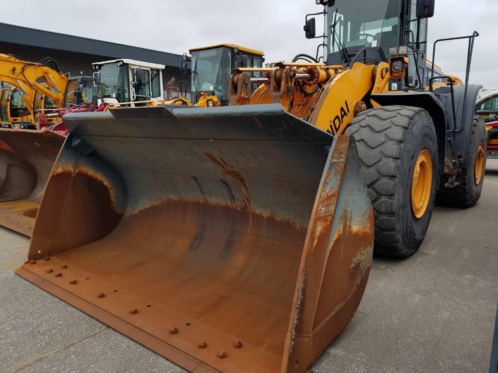 Hyundai HL 780-9 w/ NEW Bucket, Wheel Loaders, Construction Equipment