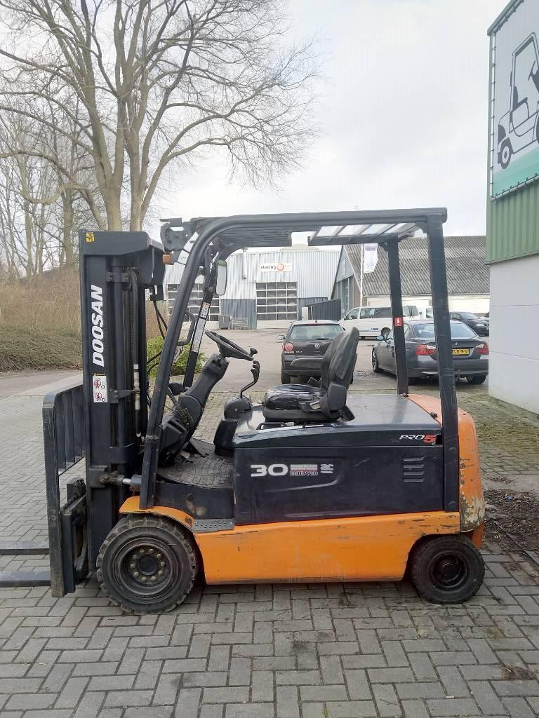 Doosan B30 X-5 Heftruck, Elektrische heftrucks, Laden en lossen