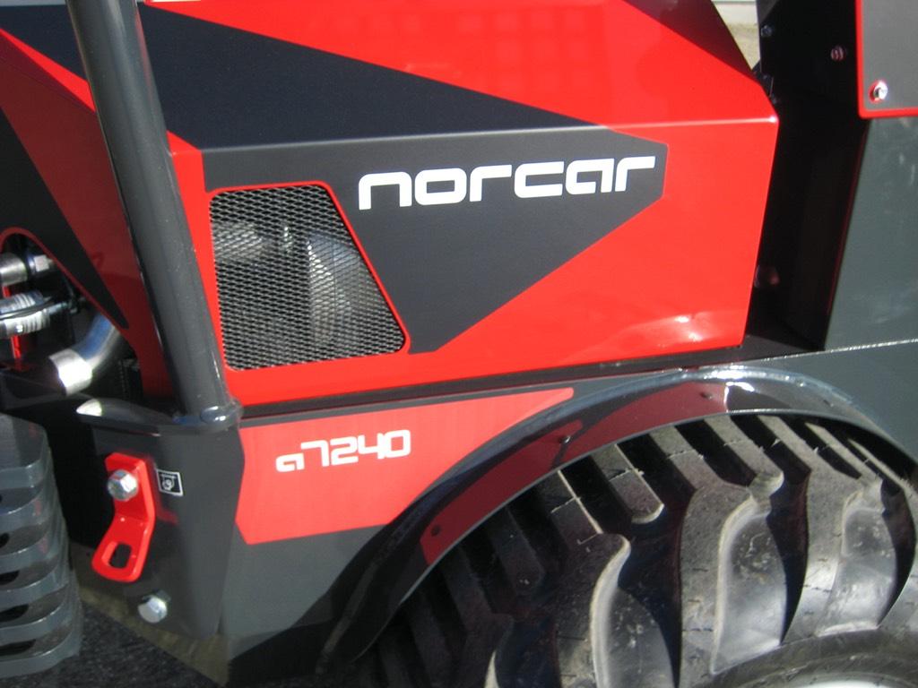 Norcar 7240 Automotive, Wielladers, Bouw