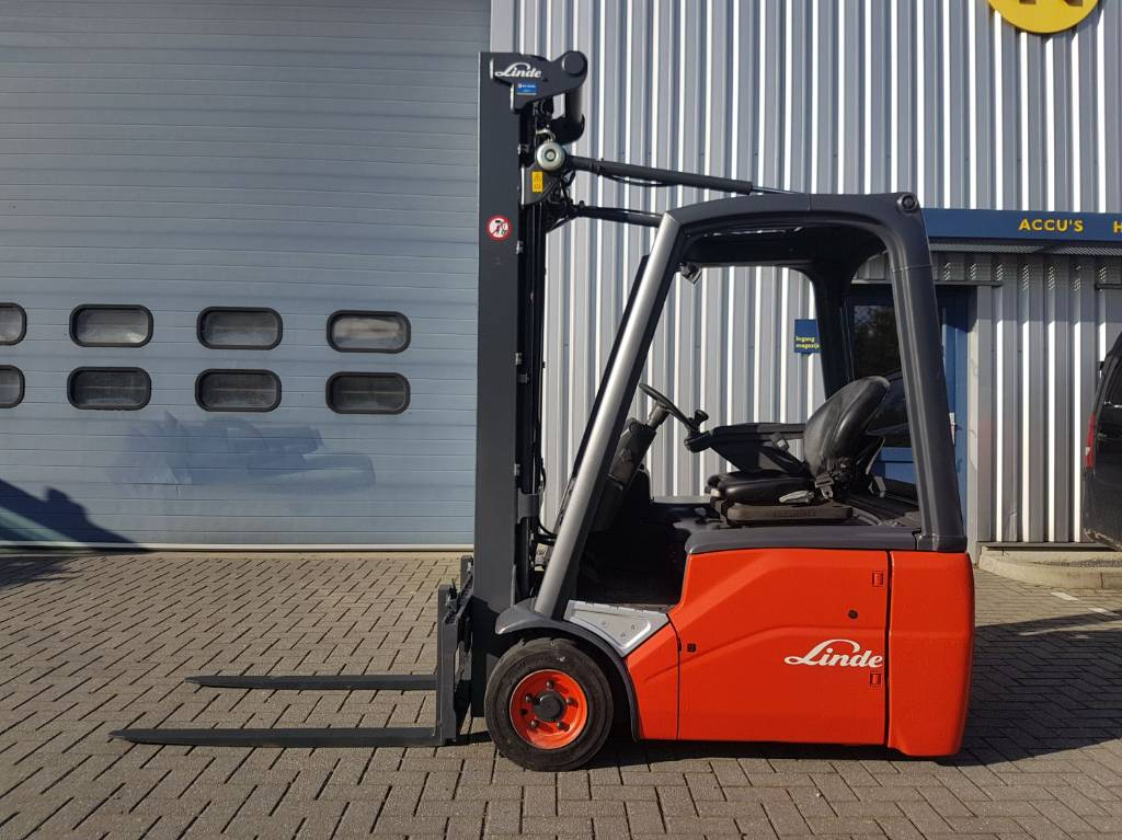 Linde E16L, Electric heftrucks, Laden en lossen