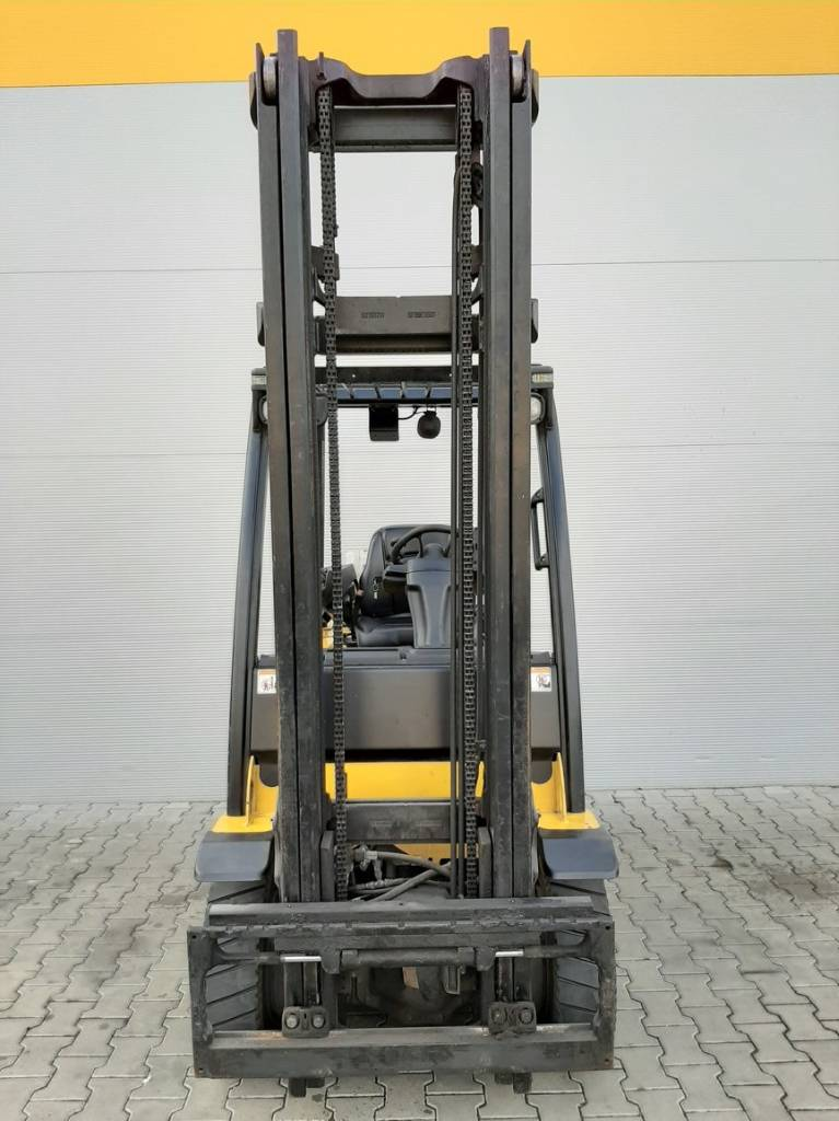 Yale GLP25VX, LPG counterbalance Forklifts, Material Handling