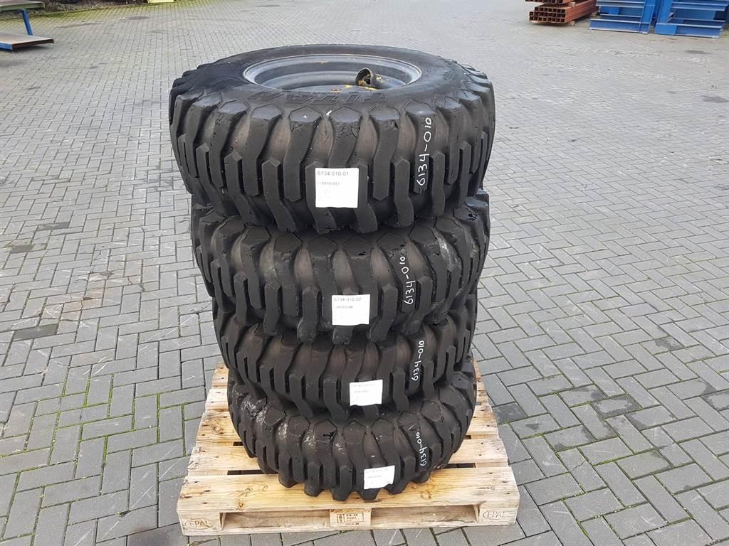Titan 12.5/80-18 - Kramer 320 - Tyre