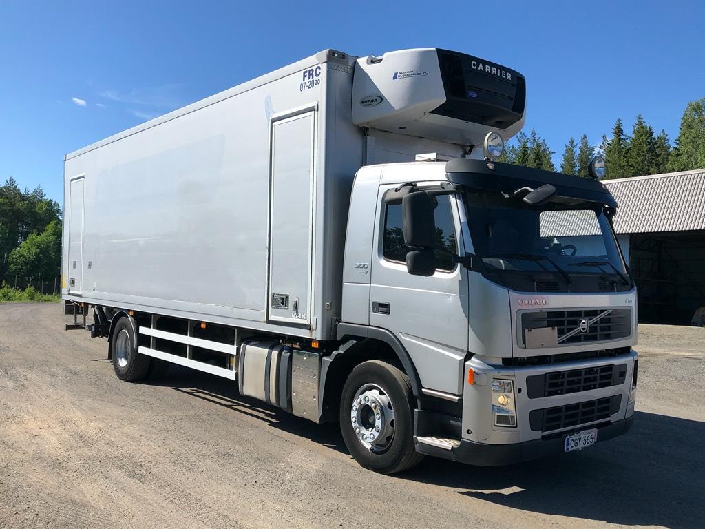 Volvo FM300 Juuri katsastettu, 8,6m kori, Carrier 950, Kylmä-/Lämpökori kuorma-autot, Kuljetuskalusto