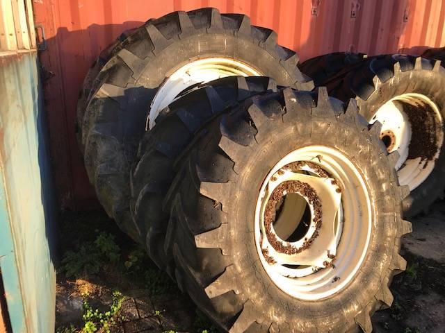 Michelin 18.4R30 & 520/85R46, Banden, wielen en velgen, All Used Machines