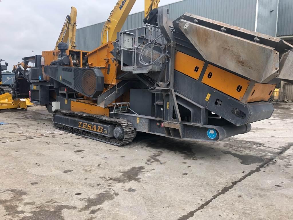 Tesab 1412T, Mobile crushers, Construction
