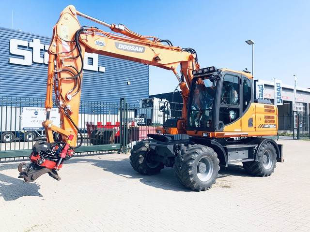 Doosan DX160W-3, Wheeled Excavators, Construction Equipment