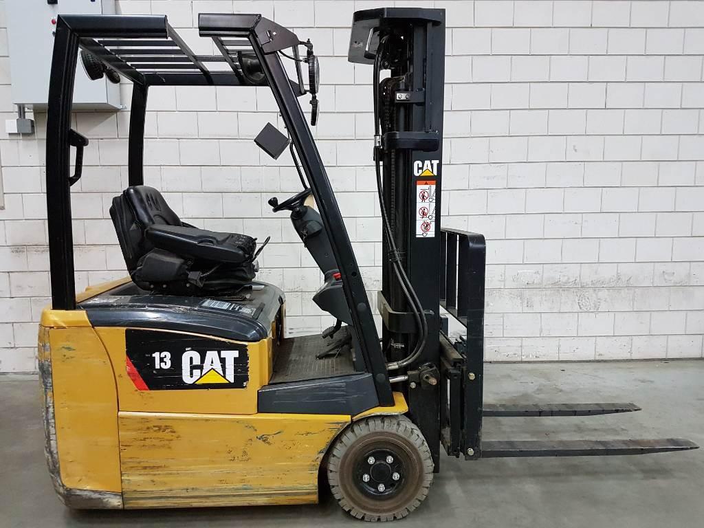 Caterpillar EP13PNT, Elektrische heftrucks, Laden en lossen