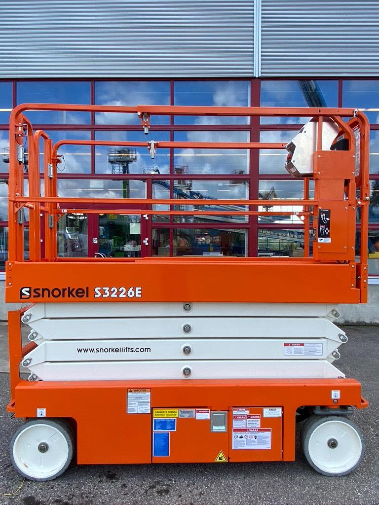 Snorkel S3226E henkilönostin, Saksilavat, Maarakennus