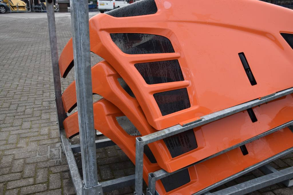 JLG ENGINE COVERS TELEHANDLER, Chassis and suspension, Construction